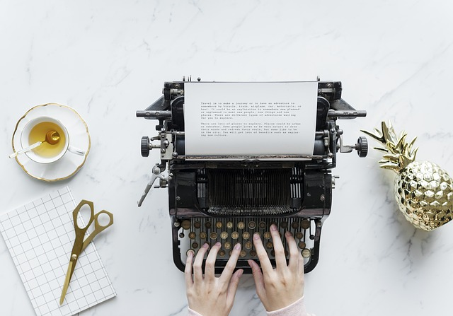 How to Write a Query Letter that Editors Can't Refuse