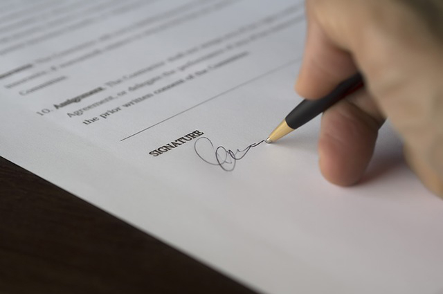 Types of Writing Contracts and How to Approach Them