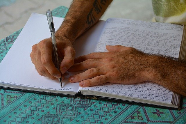 How to Use Microjournaling to Improve Your Productivity