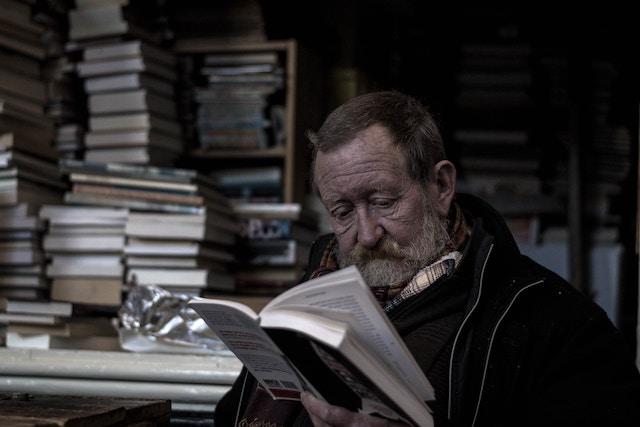 reading short story