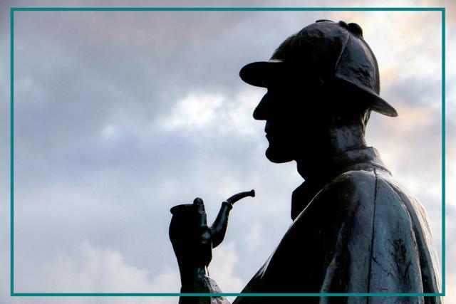 Sherlock Holmes statue silhouette