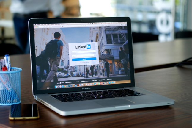 Business Writing: How to Publish on LinkedIn and Get Noticed