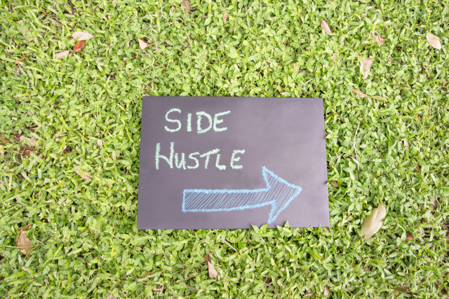 A Copywriter's Guide To 3 Profitable Content Side Hustles